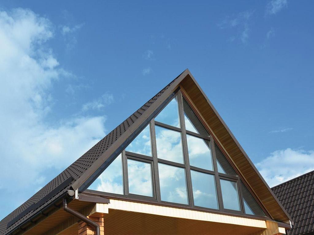 Protejeaza-ti casa de soare fara a impiedica lumina sa intre